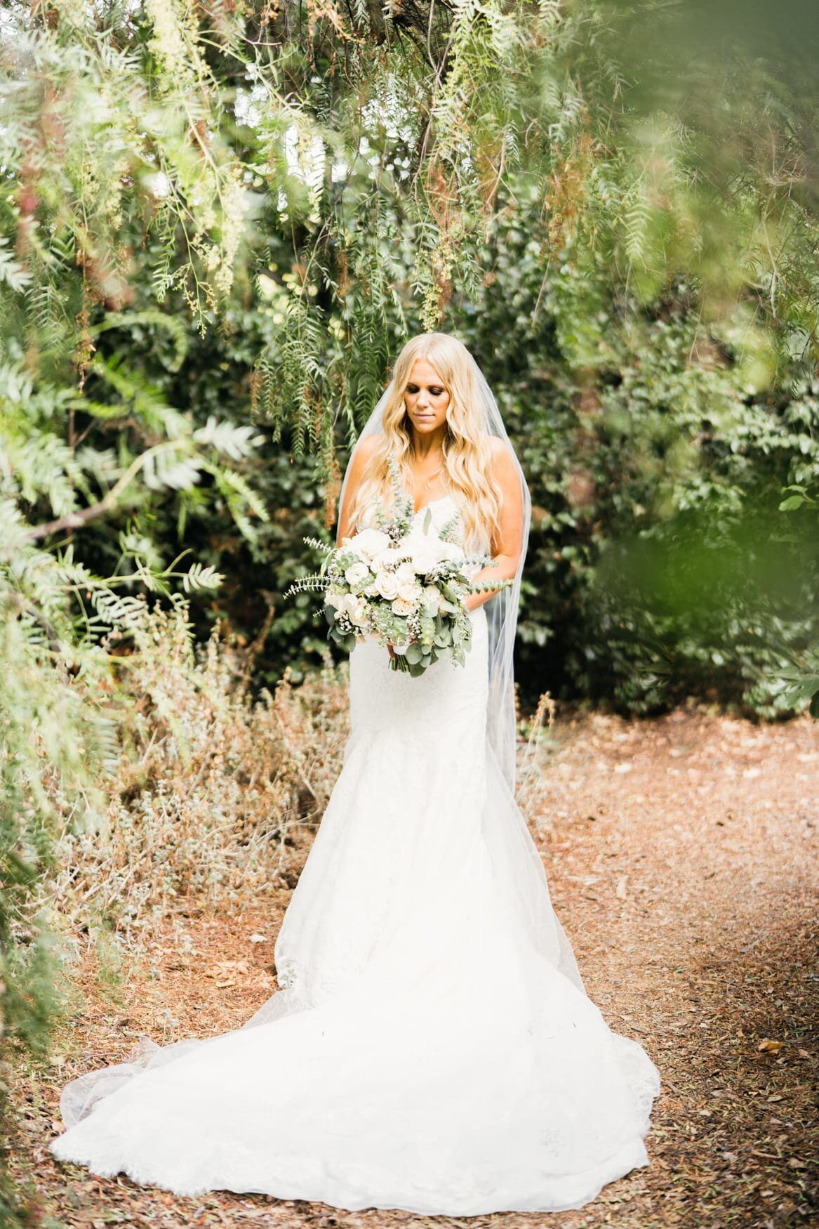 quail ranch wedding bride photos